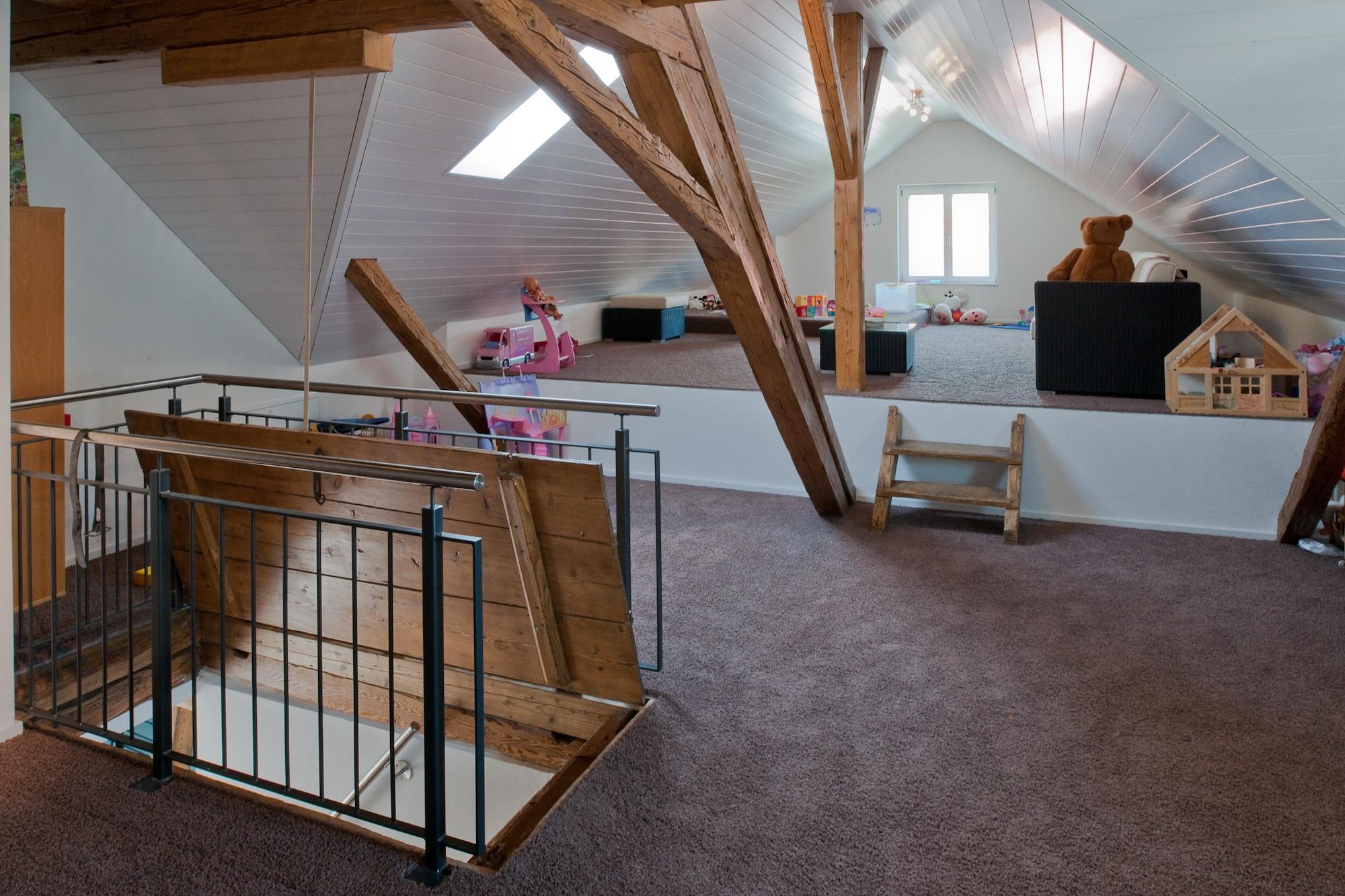 bauernhof renovieren renovierung und auf einem typischen. Black Bedroom Furniture Sets. Home Design Ideas
